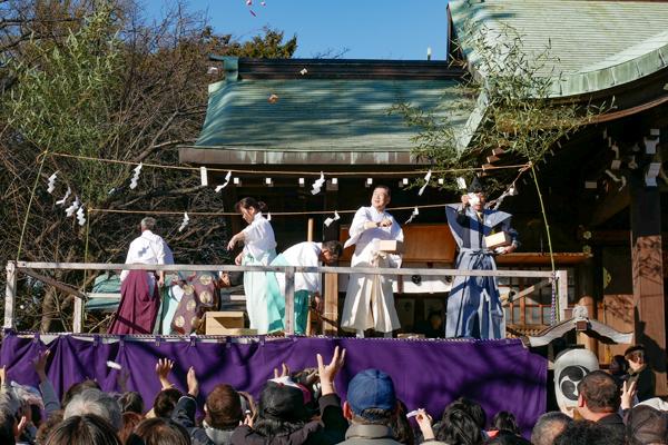 沼津日枝神社 節分の豆まき